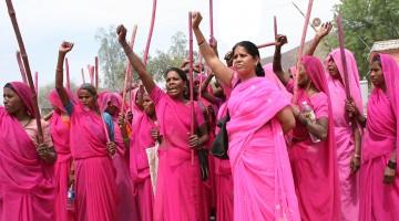Die Gulabi Gang – Retterinnen des Rechts