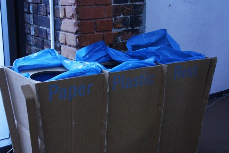Green Ethical Showroom Sleazemag MBFW Plastik vermeiden Mülltrennung ökologische Mode