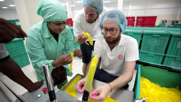 nachhaltige kondome einhorn campaign malaysia kautschuk plantage startup berlin