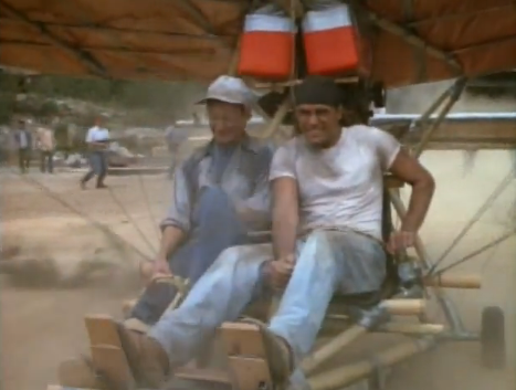 MacGyver – seine besten Erfindungen: ein Flugzeug aus Bambus