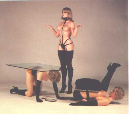 Forniphilia Frauen als Objekte als Möbel sonderbare Fetische