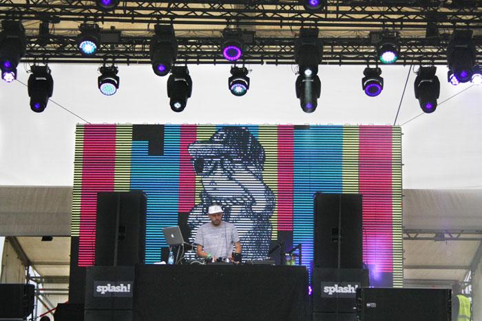 DJ SAmoa Stage Splash!