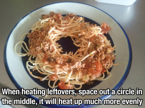 Mikrowelle Essen gleichmäßig wärmen schlauer Trick