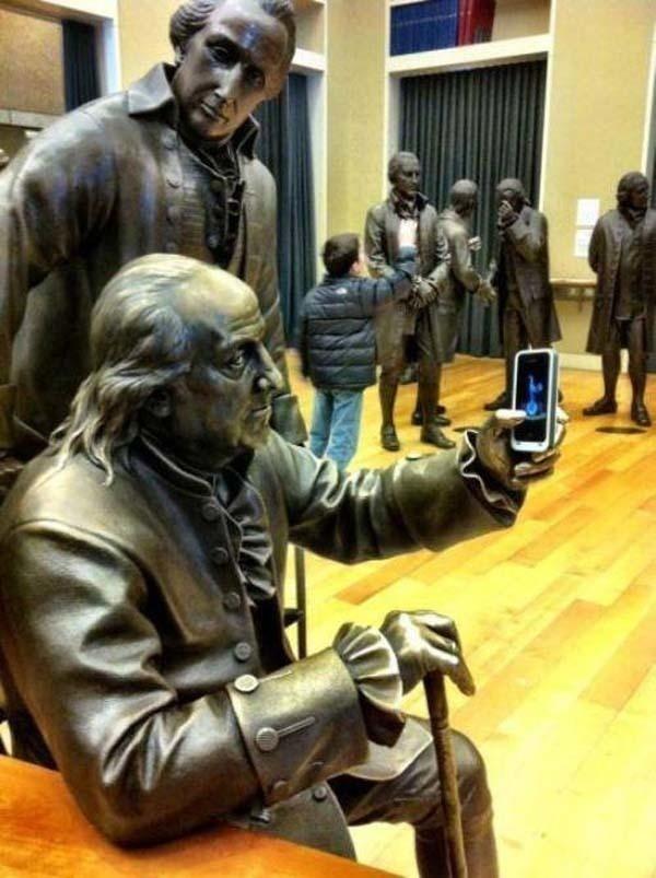 lustige fotos mit statuen selfies iphone