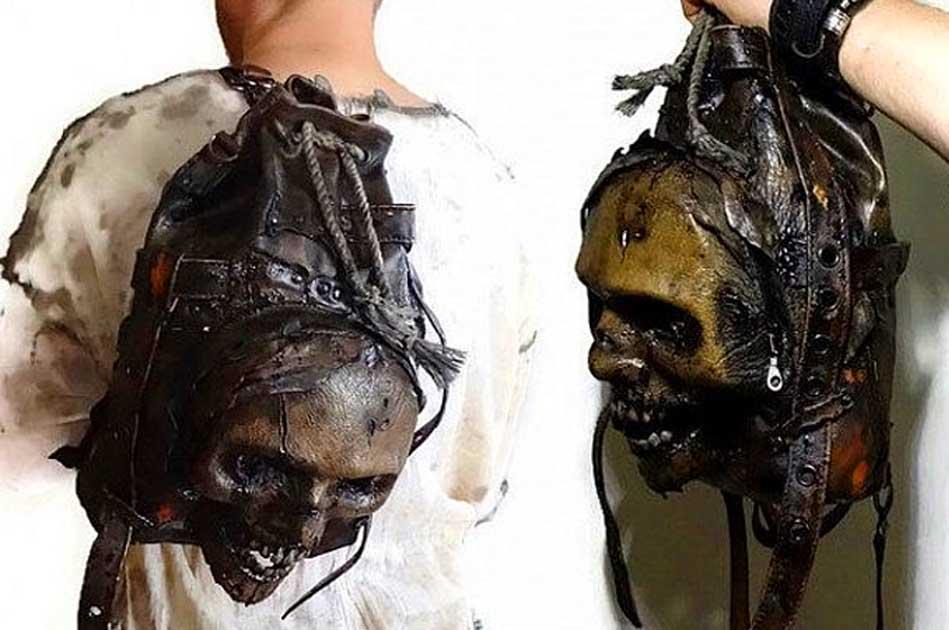 zombie rucksack schädel