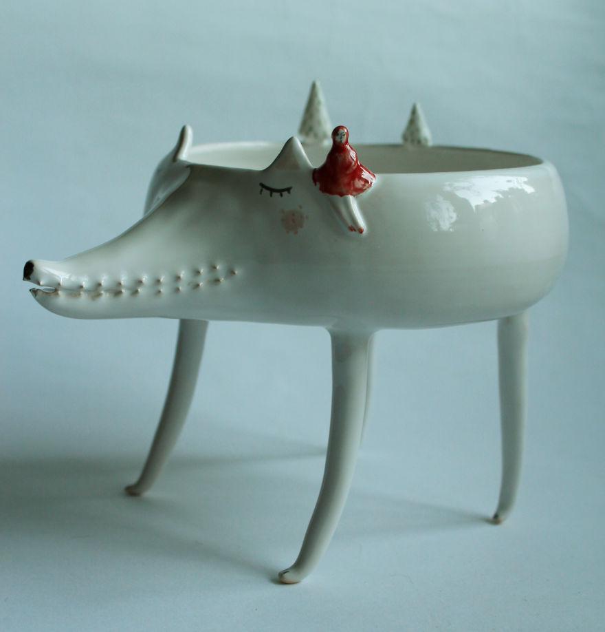 Marta Turowska Clay Opera Tiertassen aus Keramik Rotkäppchen und der Wolf