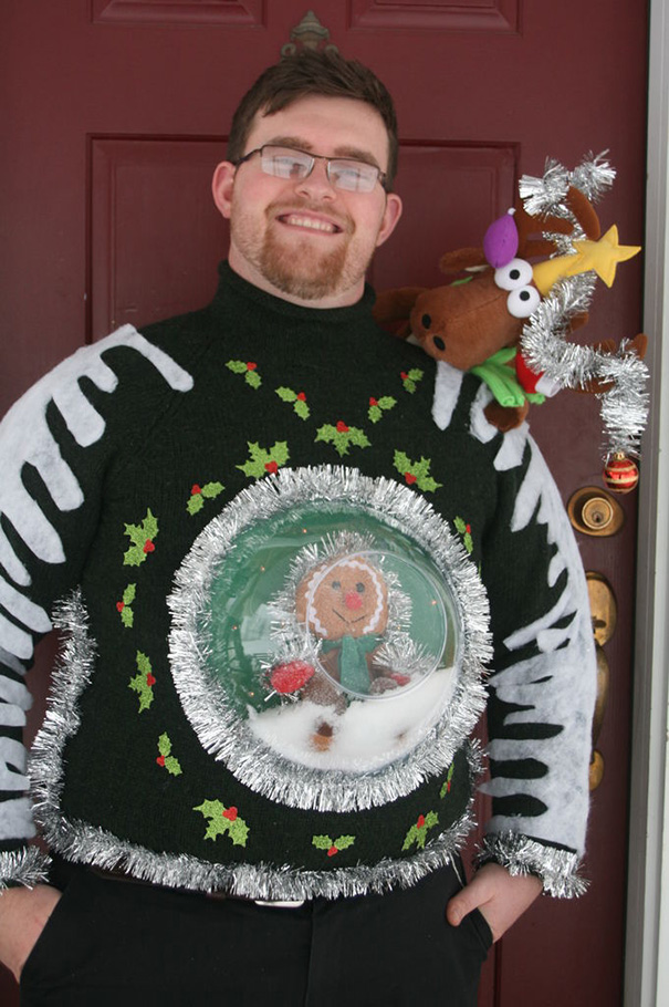 Schneekugel mit Pullover