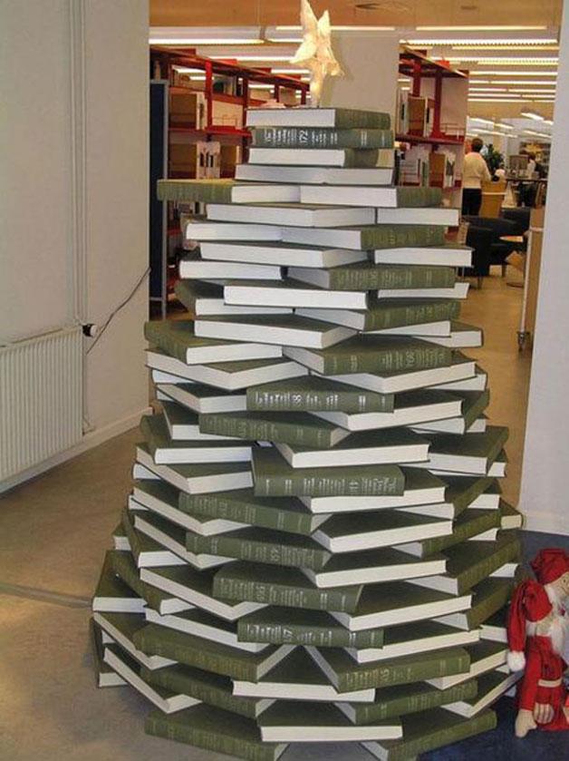 Weihnachtsbaum für Bücherwürmer kreative Ideen