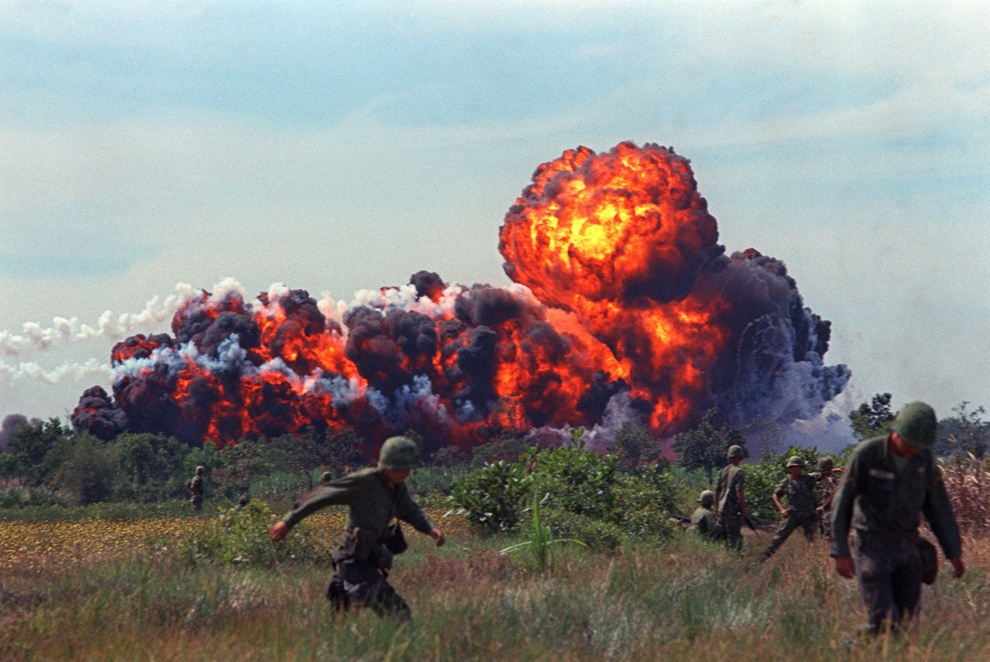 1966 napalm south-vietnam us army