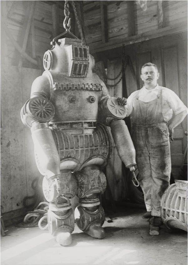 diving suite 1911