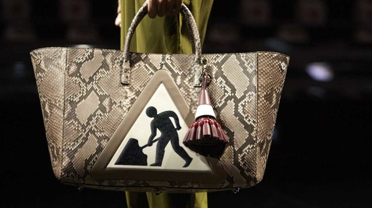 ANYA HINDMARCH FALL 2015 fashion gifs