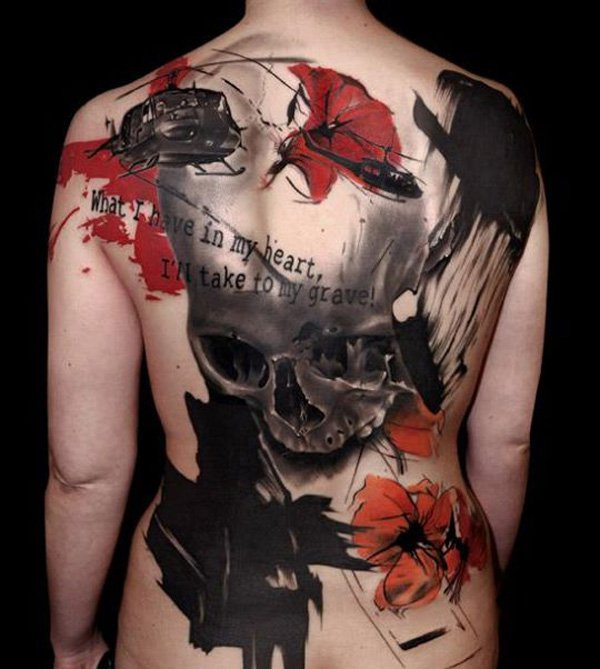 surreales tattoo totenkopf