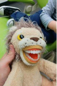 Plüschfiguren in Zahnarztpraxen
