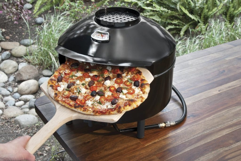glamping outdoor pizza ofen