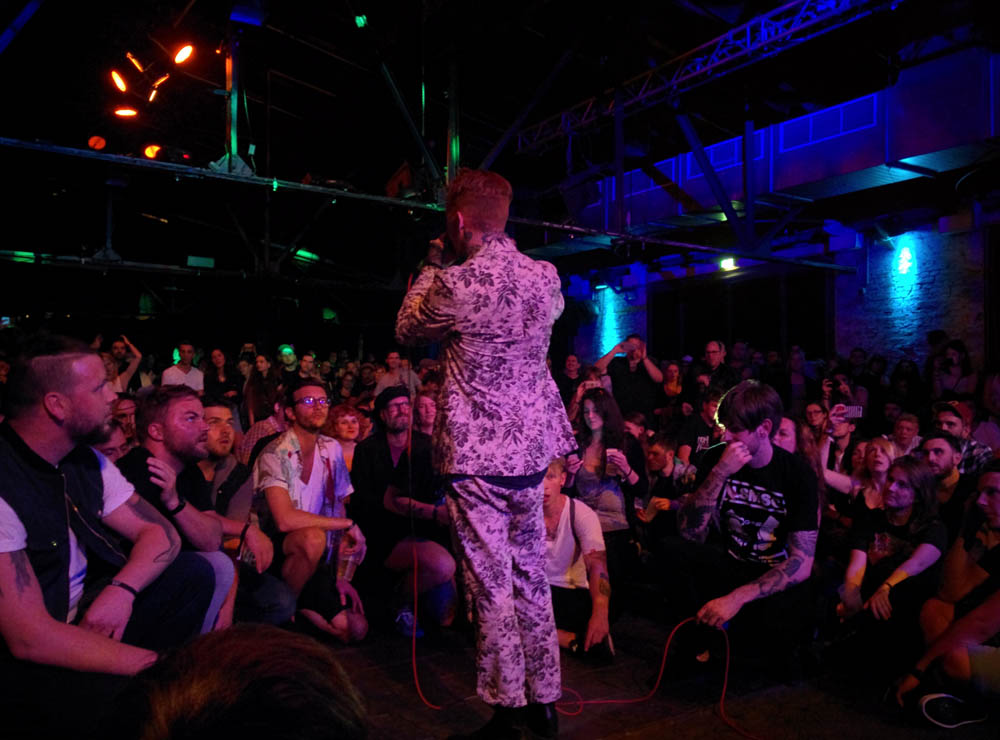 Frank Carter live berlin pure and crafted
