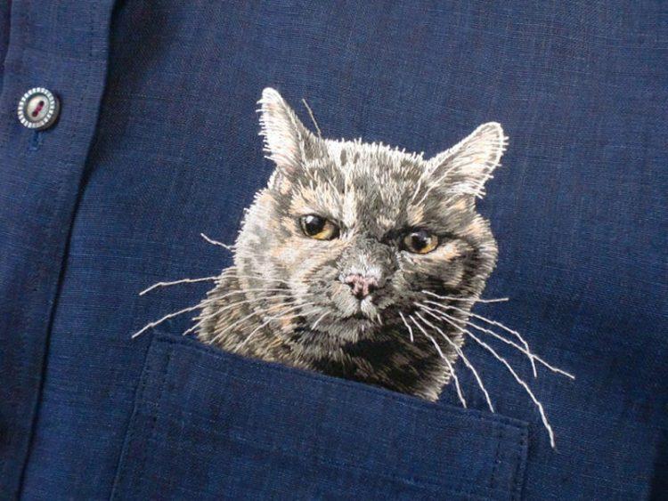 Hiroko Kubota Blusen mit Katzen Stickereien