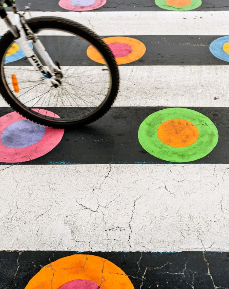 in-madrid-crosswalks-are-made-more-vibrant-to-promote-safety6-805x1015