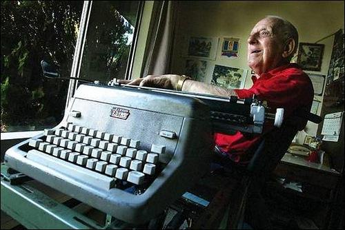 Typewriter-Artist Paul Smith