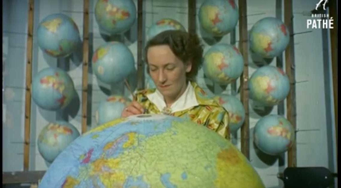 globus-produktion in den 1950ern wie werden weltkugeln hergestellt pathé london